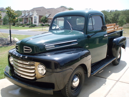 Similar to the 48, the 1950 Ford F1 still has the bar style grille