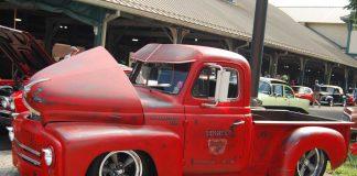 1952 International Pickup - Side