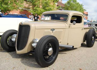 35 Ford Truck - Front