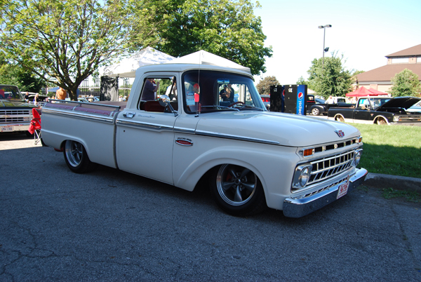 1965 Ford Truck on Airbags