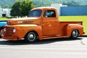 1948 Ford F1 - Side